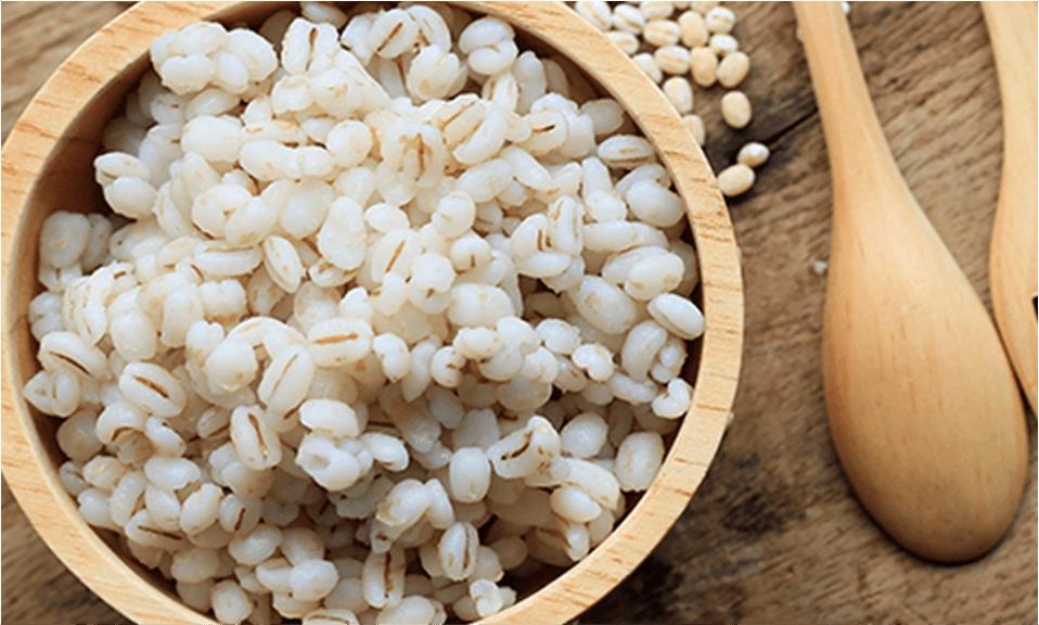 写真:麦ごはん、大麦、押麦