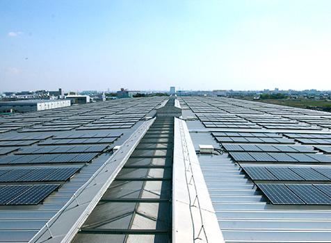 写真:太陽光発電設備の設置